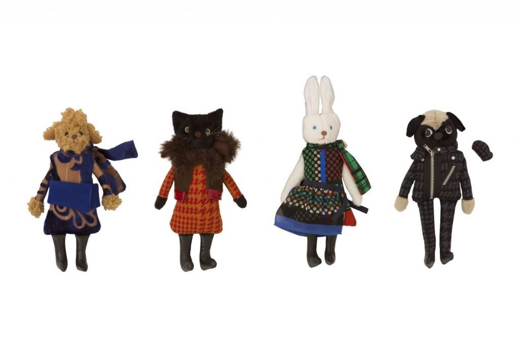 SACAI et Kei Nakamura Poupees de Kei Nakamura habillees avec la collection  SACAI hiver 2014, 75e piece, creation exclusive p