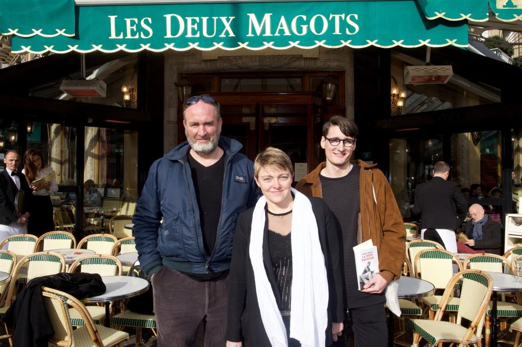 Serge Joncour, lauréat 2015 – Catherine Mathivat, Présidente des Deux Magots - Pierre Adrian, lauréat du Prix Littéraire des Deux Magots 2016  © Julio Piatti