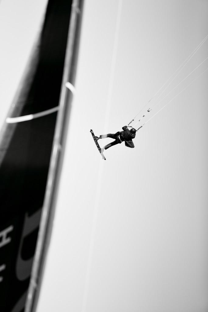 12_HUGO_BOSS_Skywalk_Stunt_sRGB