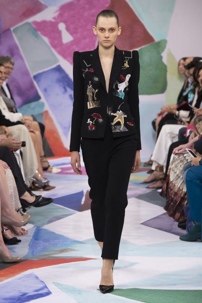 Défilé Schiaparelli Haute Couture A-H 2016/17 : Poétique et magique