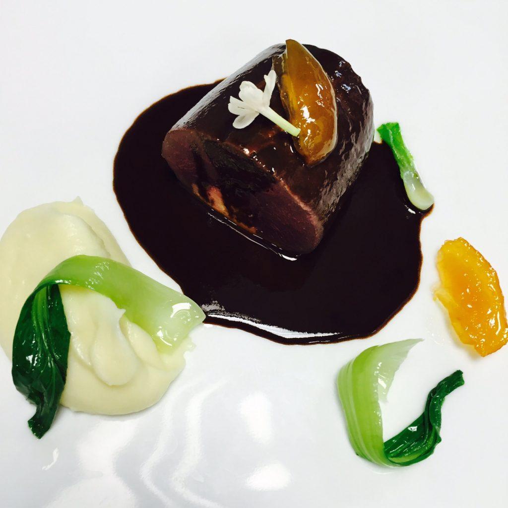 5-le-lievre-selle-rotie-sauce-civet-maison-blanche